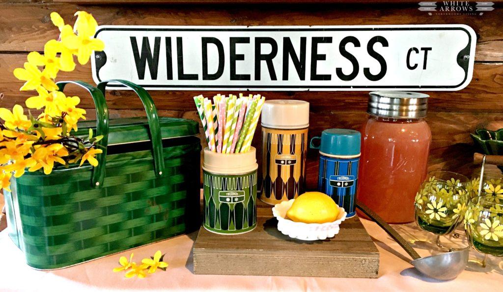 Spring Decor, Spring Lemonade Bar, Vintage Termos, Vintage Picnic Basket, Lemonade