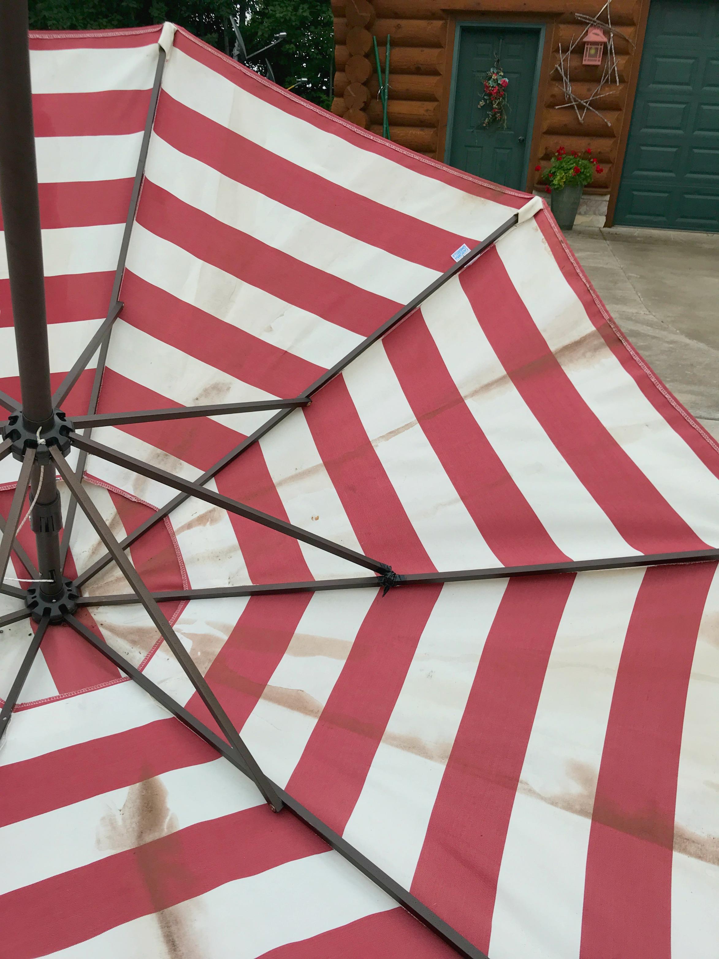 Patio Umbrella Mildew White Arrows