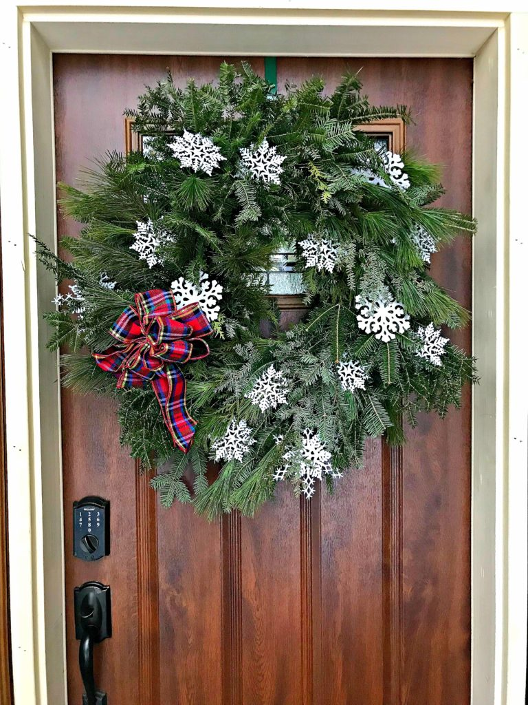 15 Winter Wreaths For Your Front Door White Arrows Home